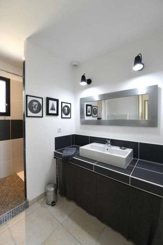 Mas provençal 150 m² toit 4 pentes avec terrasse couverte